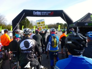 03 ride briefing on the start line