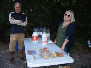 smiley food stop folk