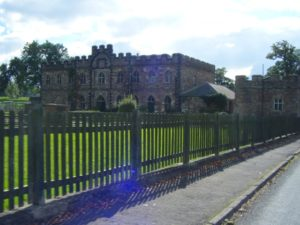 24-berkeley-castle